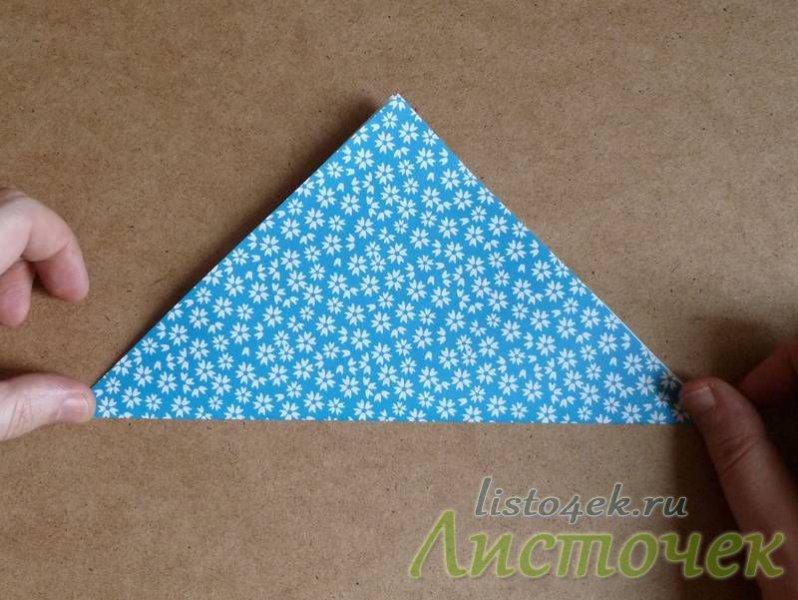 Разворачиваем и сгибаем лист по другой диагонали