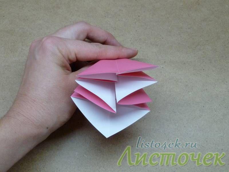 В итоге получим фигуру из восьми треугольников, которые можно листать как страницы книжки