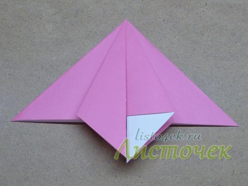 Выравниваем боковую сторону треугольника по центральной оси