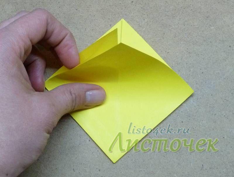 """Располагаем основу """"двойной квадрат"""" глухим углом вниз, открытой частью вверх"""