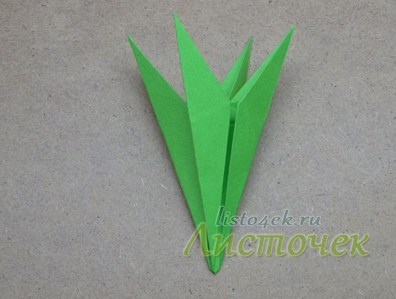Чашелистик (зеленый модуль) для лилии готов