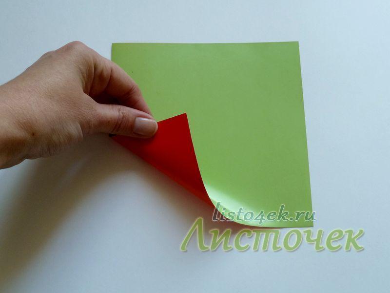 Говорящая лягушка делается из квадратного листа бумаги. Желательно чтобы бумага была двухсторонняя