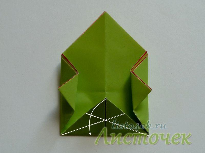 Нижний треугольник складываем, используя прием «Заячье ухо»