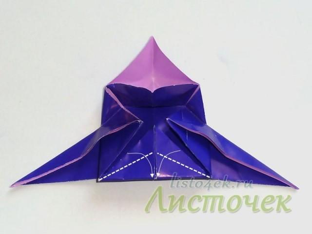 Нижний треугольник складываем по линиям